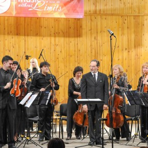 "Chamber Orchestra ""The Four Seasons"" and the well- known European musician presented a concert of  baroque music"